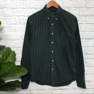 AMERICAN EAGLE checkered button down flannel